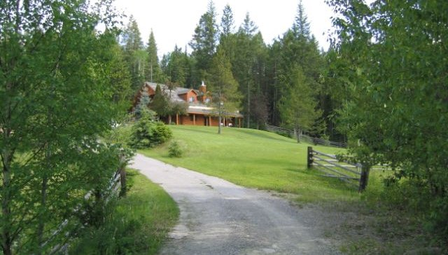 Log home on 8 acres