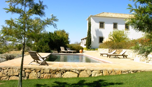 Characteristically restored farmhouse in the hills overlooking Algarve