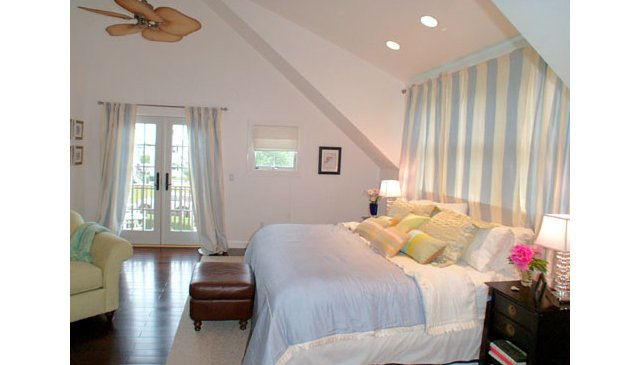 Newport Vacation Home - Fabulous Getaway!
