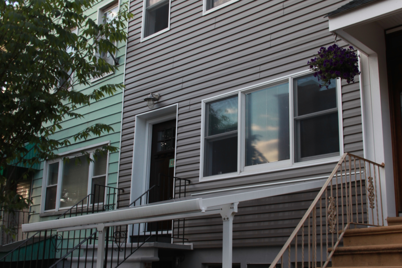 CUSTOM BROOKLYN HOME WITH BEAUTIFUL GARDEN CLOSE TO EVERYTHING